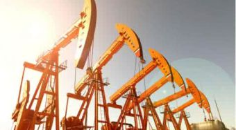 美国原油下跌4.1%定于45.13美元 自2012年以来最长