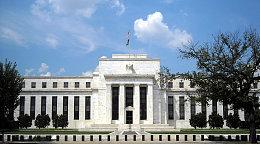 去年12月美联储加息过后 黄金市场像开了挂黄金价格涨不停
