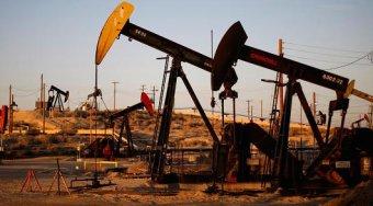美国原油库存大幅下滑后油价稳中有升 但市场依然疲软