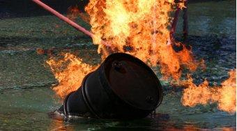 原油价格上涨推动亚洲原材料价格上阵 石油今年上涨强劲