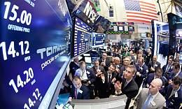 全球隔夜市场 美国经济刺激计划未明 美元下跌金价升至七周高点