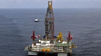 石油价格下跌 因人们担心飓风伊玛对原油出口的影响会上升