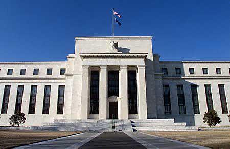 洛克哈特认为美联储稳定经济的作用将交给新政府和国会
