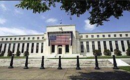 美元承压回落至两周低位 美联储会议纪要后低通胀担忧重燃