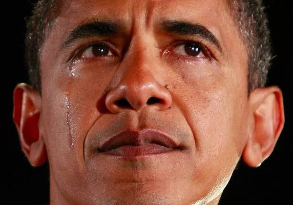 """美国总统奥巴马""""优雅""""落泪卸任 让美国民众更加怀念奥巴马的岁月"""