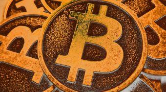 数字货币市值突破2000亿 分析师预计比特币明年冲上1万美元