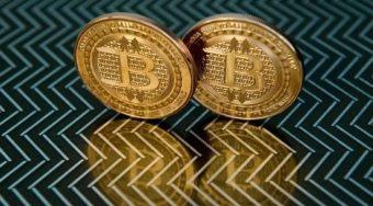 加密货币领域内战激化 比特币从纪录高点暴跌29%