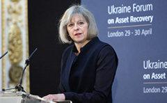 """外媒:英国首相特蕾莎梅周二暗示""""硬脱欧"""" 英镑兑美元汇率或跌至1.12"""