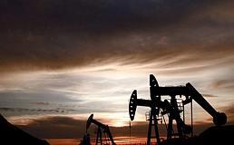 沙特能源部长法力赫称OPEC产油国履行减产协议 油价将上涨