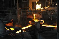 铜库存暴涨12%致铜价暴跌 铜市正转向供不应求或使铜价上涨