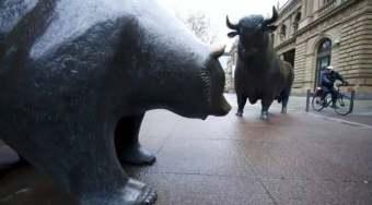 """欧洲股票市场有望超越美股!""""特朗普行情""""情引担忧 资金逃离美股涌向欧股"""
