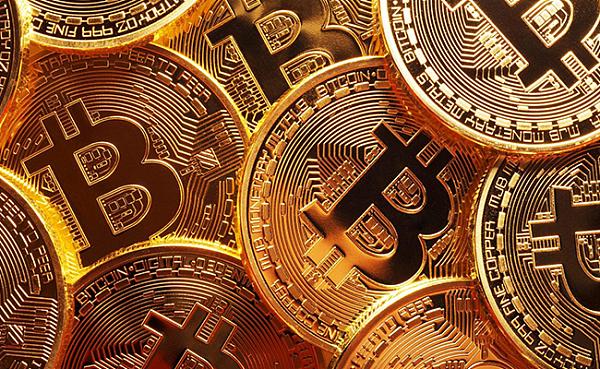 从9日至今,国内比特币价格在1万元附近高位盘整,正式进入万元时代