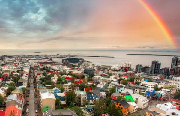 印度两家加密货币交易所或因监管升级而停止交易 冰岛600个比特币矿机不翼而飞 |《金色9:30》第203期-元界独家赞助