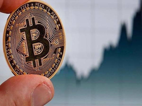 法国金融市场监管局将15个加密货币网站列入黑名单 仍挡不住比特币重返8000美元