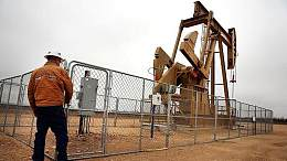 周一早盘原油市场因中东紧张局势加剧推动油价涨幅超1%