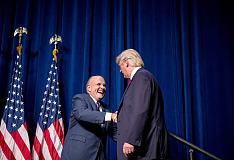 美国选举人团正式投票确认共和党候选人特朗普为第45任美国总统