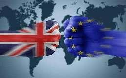 英镑跌至两月新低 英国议会正式授权首相启动脱欧进程
