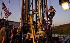 美原油库存继续角逐欧佩克减产 油价走势聚焦欧佩克成员国周日科威特会议