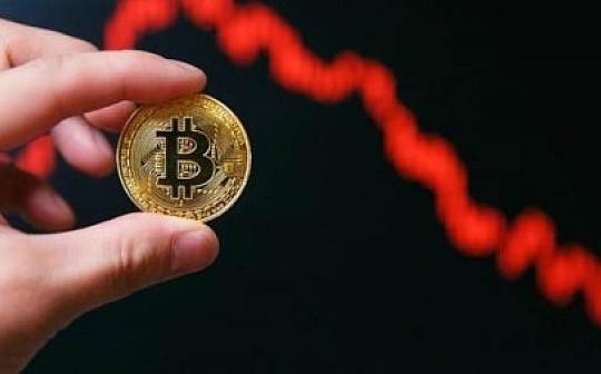比特币大户抛售13万BTC套现 年底币价或跌破3000