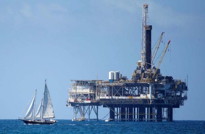 石油价格稳定 美国产量高企平衡原油库存