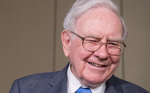 "Buffett calls Bitcoin a ""gambling tool"""