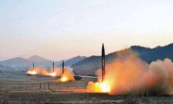 (美国扩大制裁朝鲜,限制减少朝鲜研发核武器所需的资金)