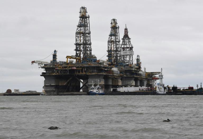 在遭受哈维飓风风暴袭击后 原油价格有轻微复苏