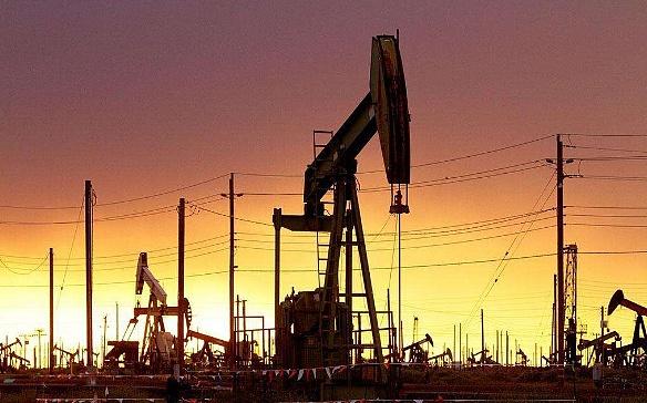(美国炼油厂的逐渐恢复使得石油价格得到支撑)