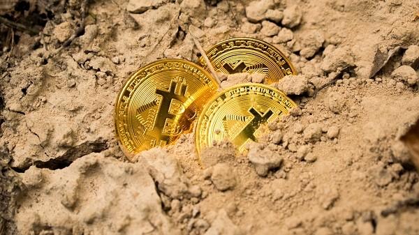 今年比特币挖矿难度变化为何与以往不一样?