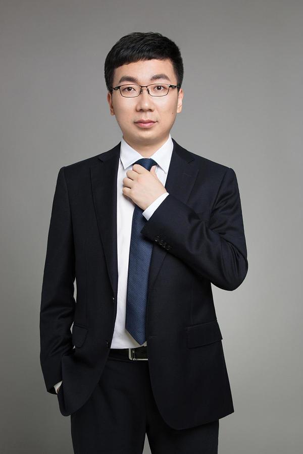 趣链科技CEO李伟:技术员工案头放着金融类书籍 会有区块链平台像Windows
