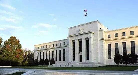 (美联储的政策方向决定了美元的走向)