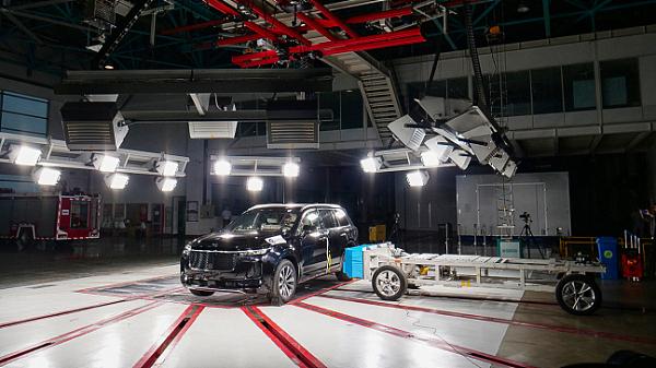C-NCAP五星 理想ONE连获三家机构中大型SUV最高安全认证