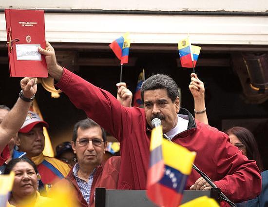 回击美国制裁 委内瑞拉石油王怒发1亿石油币 比特币有了石油兄弟