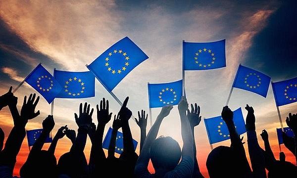 欧盟银行管理局主席:禁止金融机构持有和出售加密货币将比监管更有效