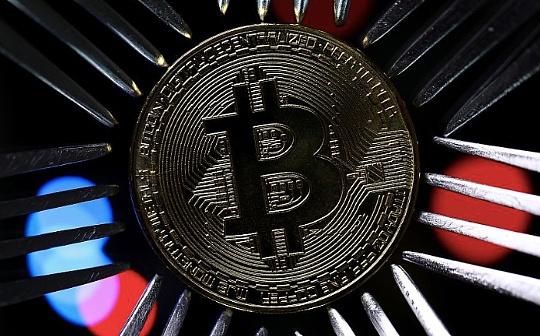 金色早报|早期比特币开发者否认移动了50枚BTC