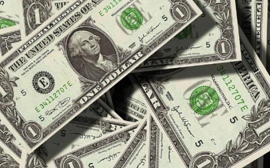 """美国国会重新考虑使用""""数字美元""""发放援助"""
