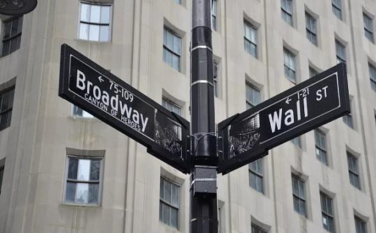 华尔街百万美元以上比特币交易激增 散户投资者正被边缘化