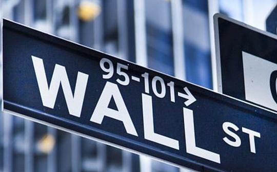 华尔街的「加密冷战」刚刚开始