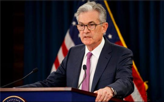美联储主席鲍威尔重申将维持宽松货币政策 讲话后美股下行 国债收益率上升